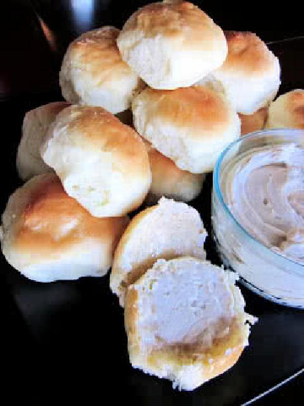 Cinnamon Honey Butter Recipe for your Homemade Rolls