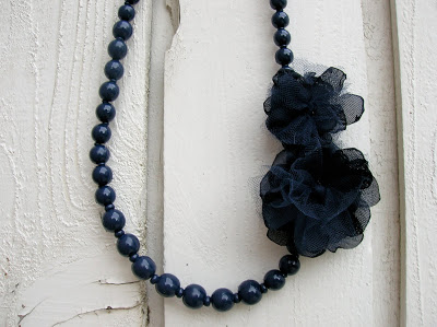 Upcycled Necklace with Tulle Flowers Tutorial
