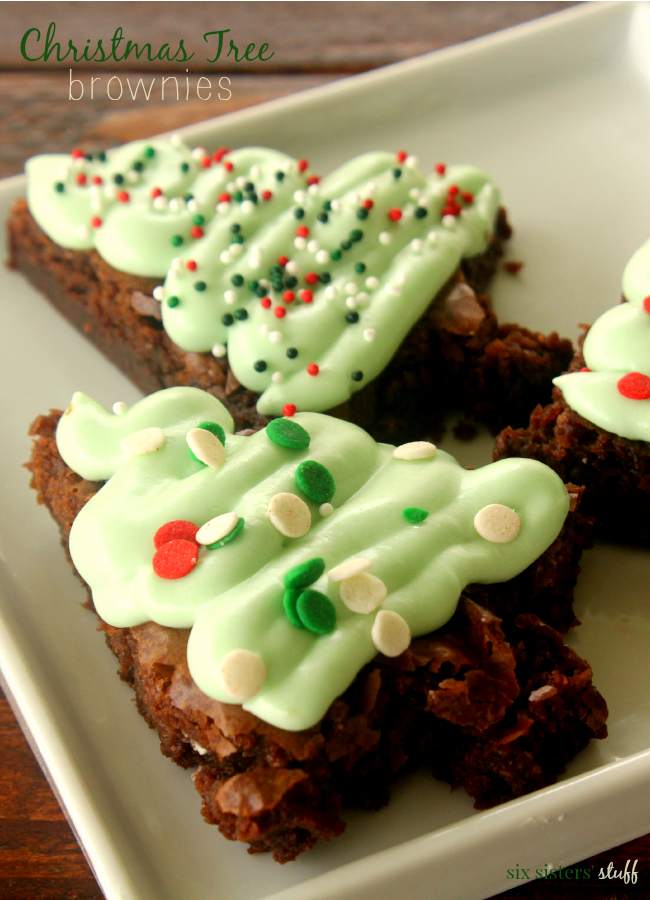 Christmas-Tree-Brownies-from-Six-Sisters-Stuff