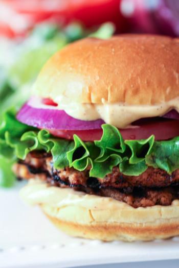 Best homemade hamburgers recipe including special sauce
