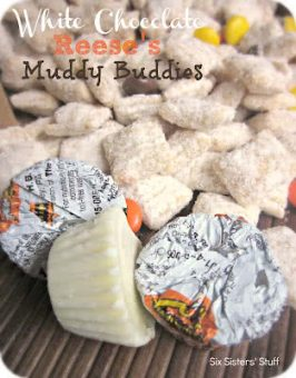 White Chocolate Reese's Muddy Buddies Recipe