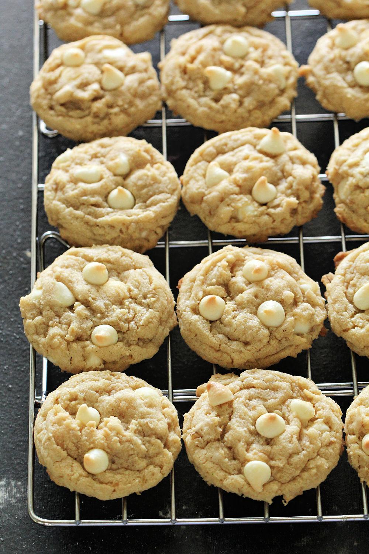 White Chocolate Chip Oatmeal Cookies Recipe