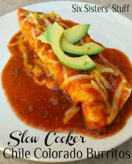 Slow Cooker Chile Colorado Beef Burritos