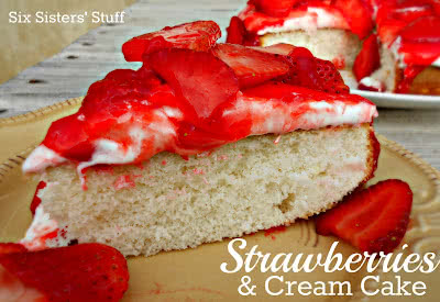 Strawberries+and+Cream+Cake[1]