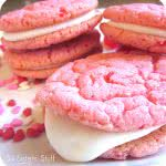Strawberry+Valentine+Oreo+Cookies[1]