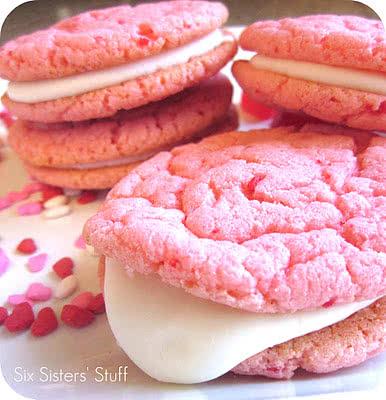 Strawberry+Valentine+Oreo+Cookies[1]