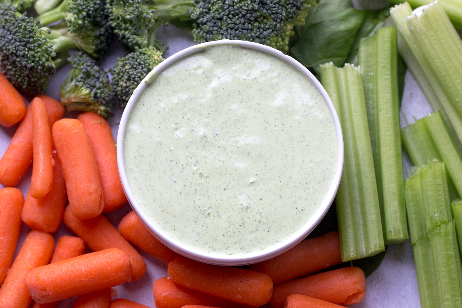Fresh Spinach Dip with Veggies