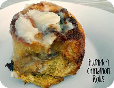 pumpkin+cinnamon+rolls[1]