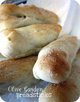 Olive Garden Date Night at Home (Recipes Included)!