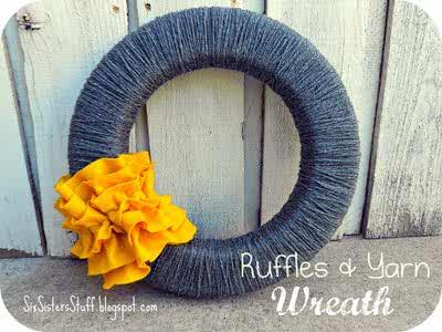 DIY Ruffles and Yarn Fall Wreath Tutorial / Six Sisters' Stuff | Six