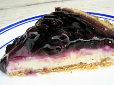 {No-Bake} Fluffy Blueberry Cheesecake