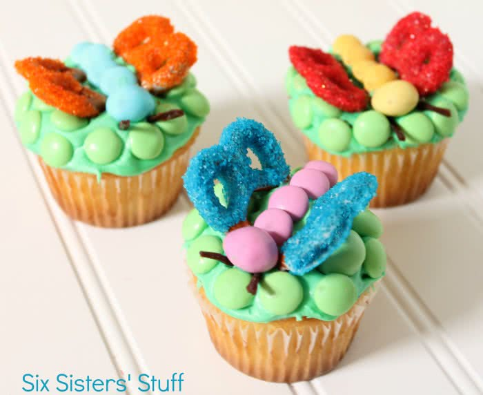 Cute Fluttering Cupcakes