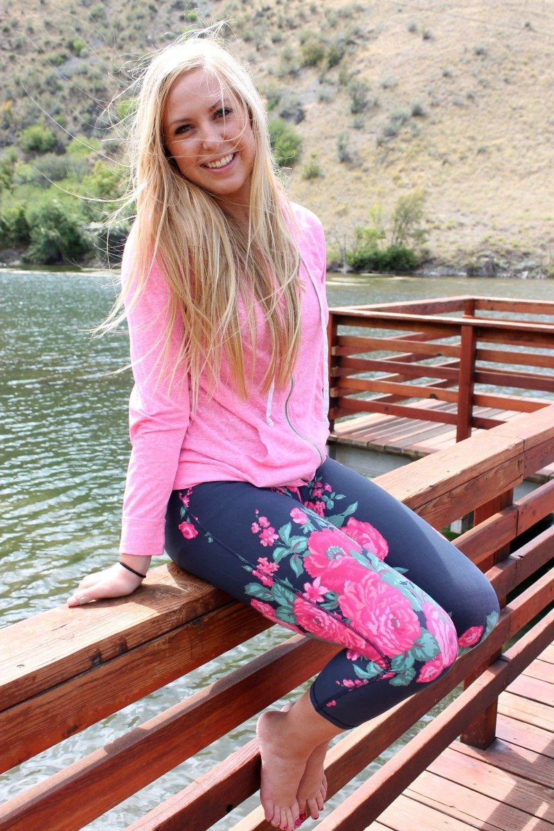 Albion Fit Floral Leggings + $100 GIVEAWAY!