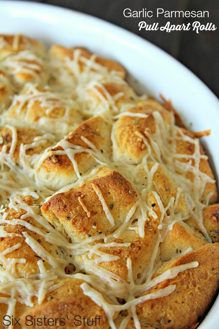 Garlic Parmesan Pull Apart Rolls on SixSistersStuff