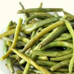 Slow Cooker Green Beans on SixSistersStuff