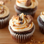 Snickers-Cupcakes-Recipe