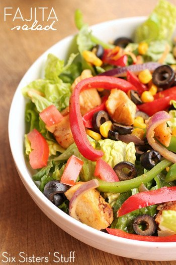 fajita salad with chicken, peppers, onion and cheese