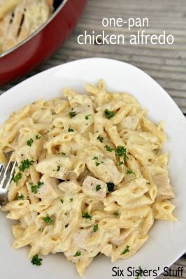 One Pot Cheesy Chicken Alfredo