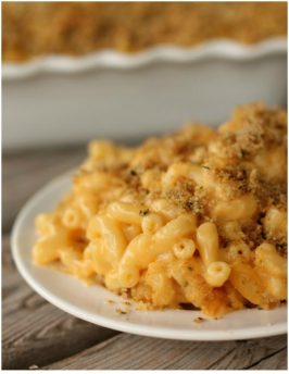 Baked Macaroni and Cheese on plate