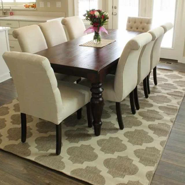 10 of the best kid friendly dining table rugs six sisters 39 stuff. Black Bedroom Furniture Sets. Home Design Ideas