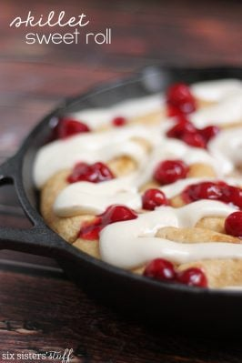 Lucky Leaf Skillet Sweet Roll