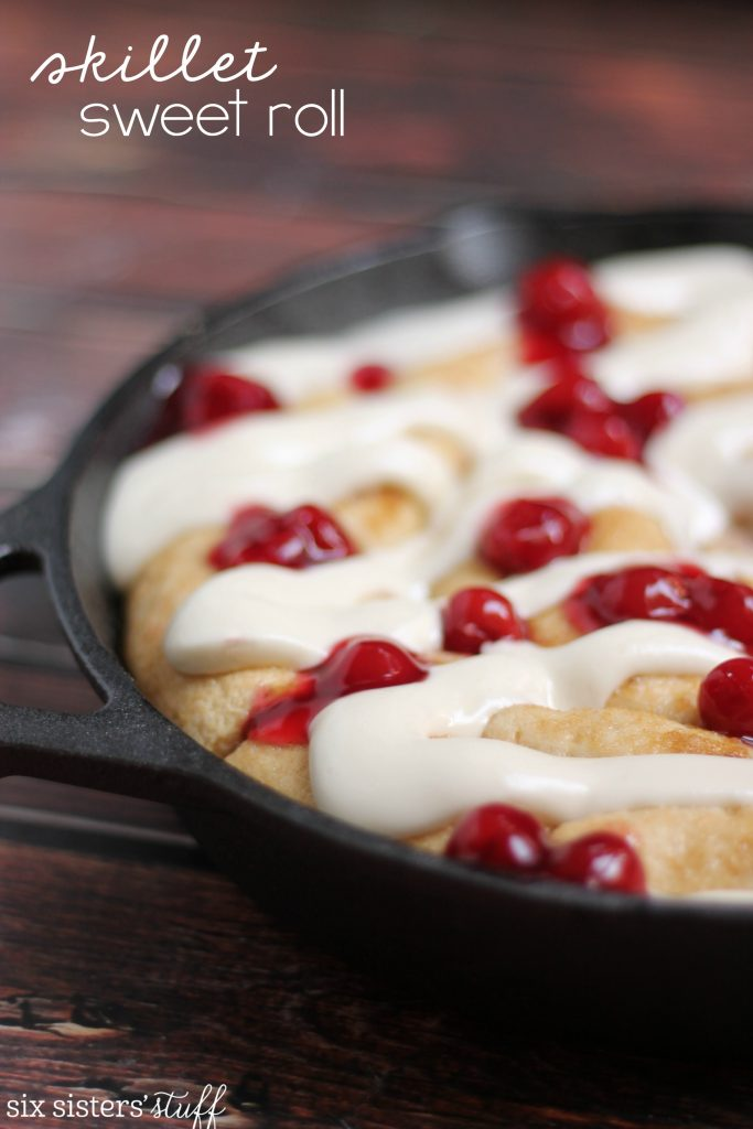 Skillet Sweet Roll with Lucky Leaf Fruit Filling