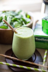 pineapple-coconut-green-smoothie-01