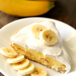 Easy Banana Cream Pie on SixSistersStuff