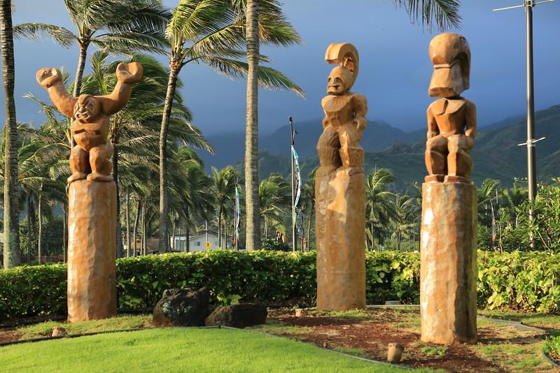 hawaiian hotel theme