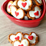 White Chocolate Pretzel Hearts on SixSistersStuff