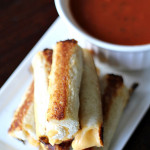 Grilled Cheese Roll-Ups on SixSistersStuff