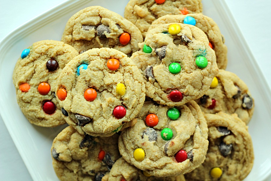 Chewy M and M Cookies on SixSistersStuff