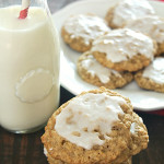 Iced Oatmeal Cookies on SixSistersStuff