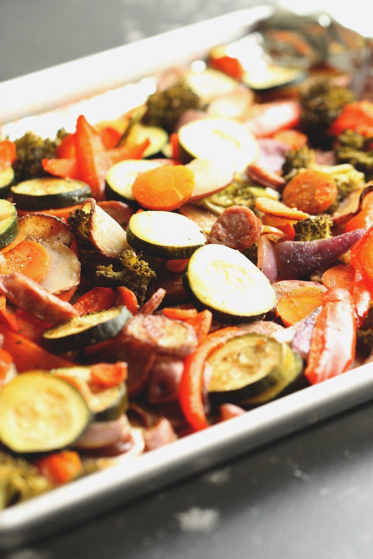 One Pan Garlic Sausage and Vegetables Recipe