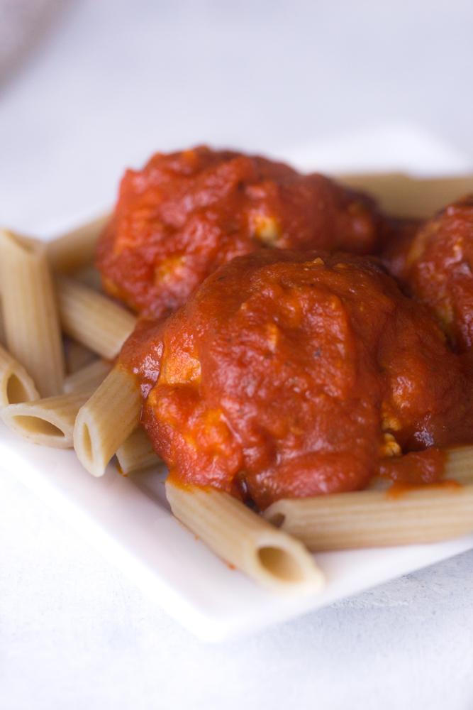 Slow Cooker Mozzarella Meatballs