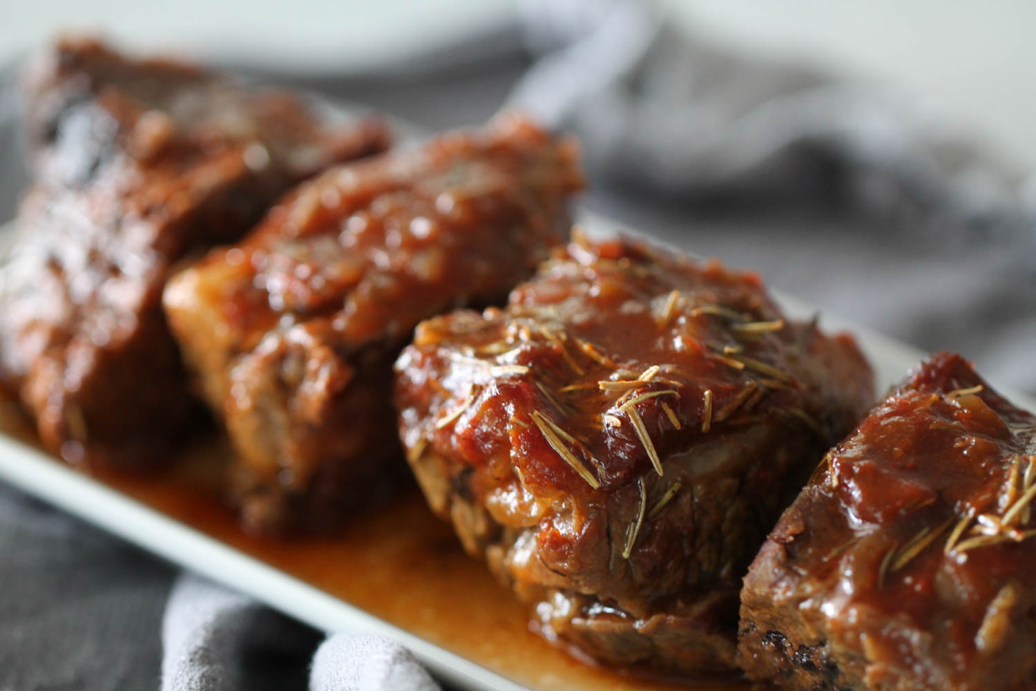 Cooked short ribs on platter