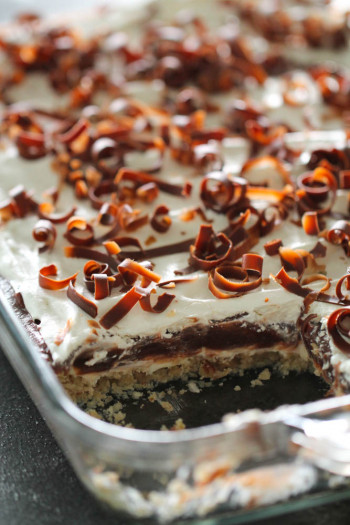 chhcolate pudding cake in pan with layers exposed
