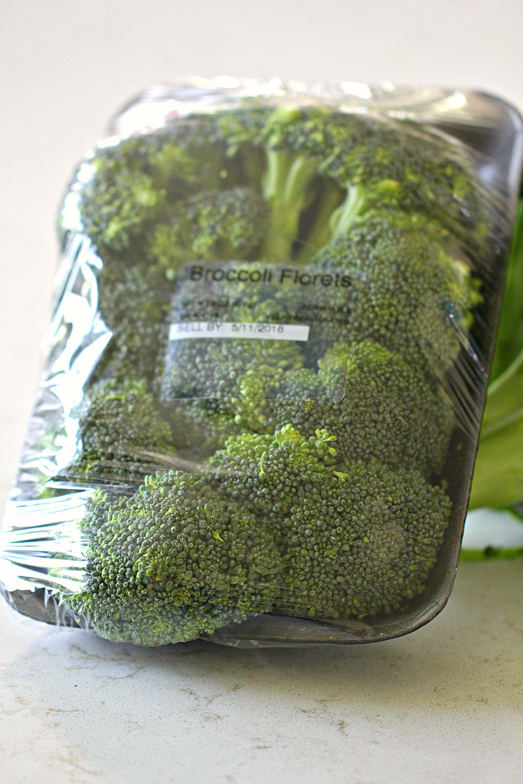 Packaged broccoli florets