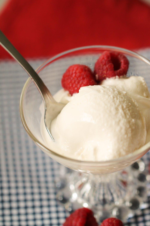 Old Fashioned Homemade Vanilla Ice Cream