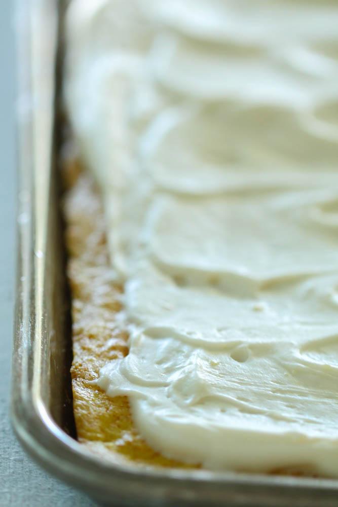 Easy lemon sheet cake with buttercream frosting !