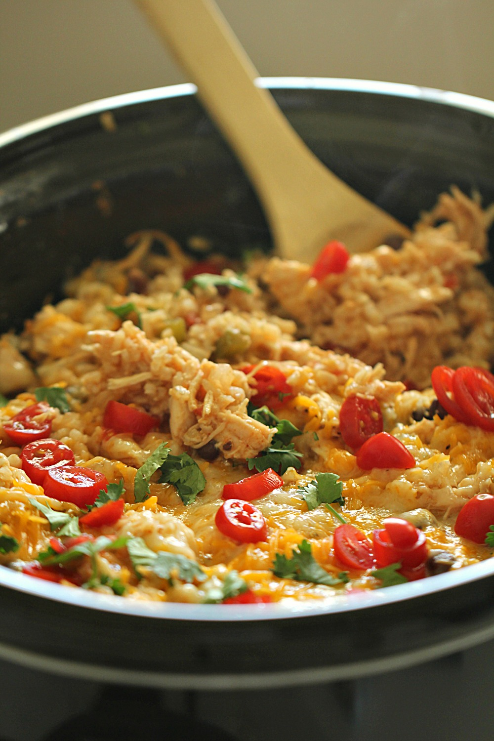 Slow Cooker Spicy Chicken and Rice Bowls in slow cooker