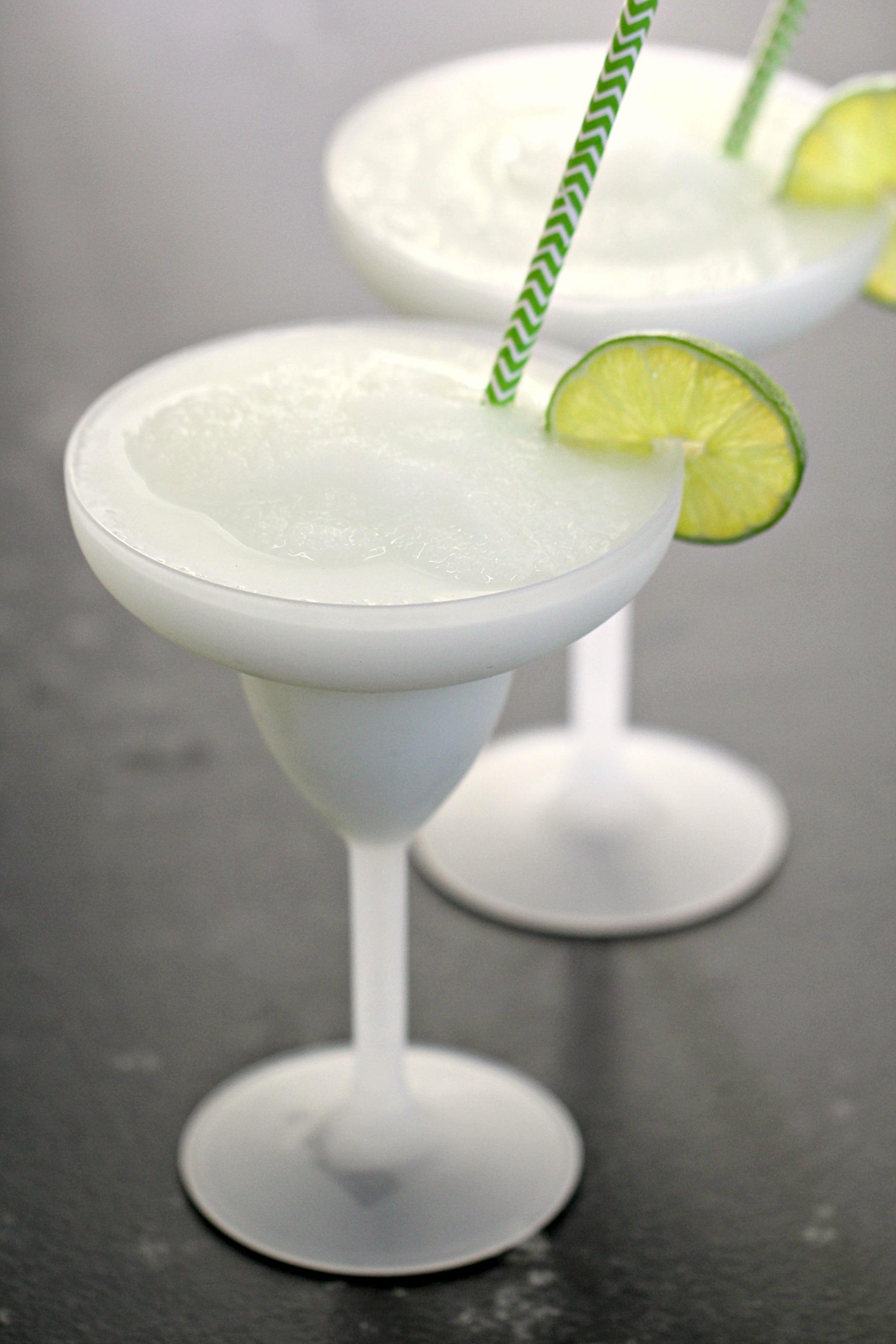 Piña Colada Slush Drink {Taco Bell Fruitista Copycat}