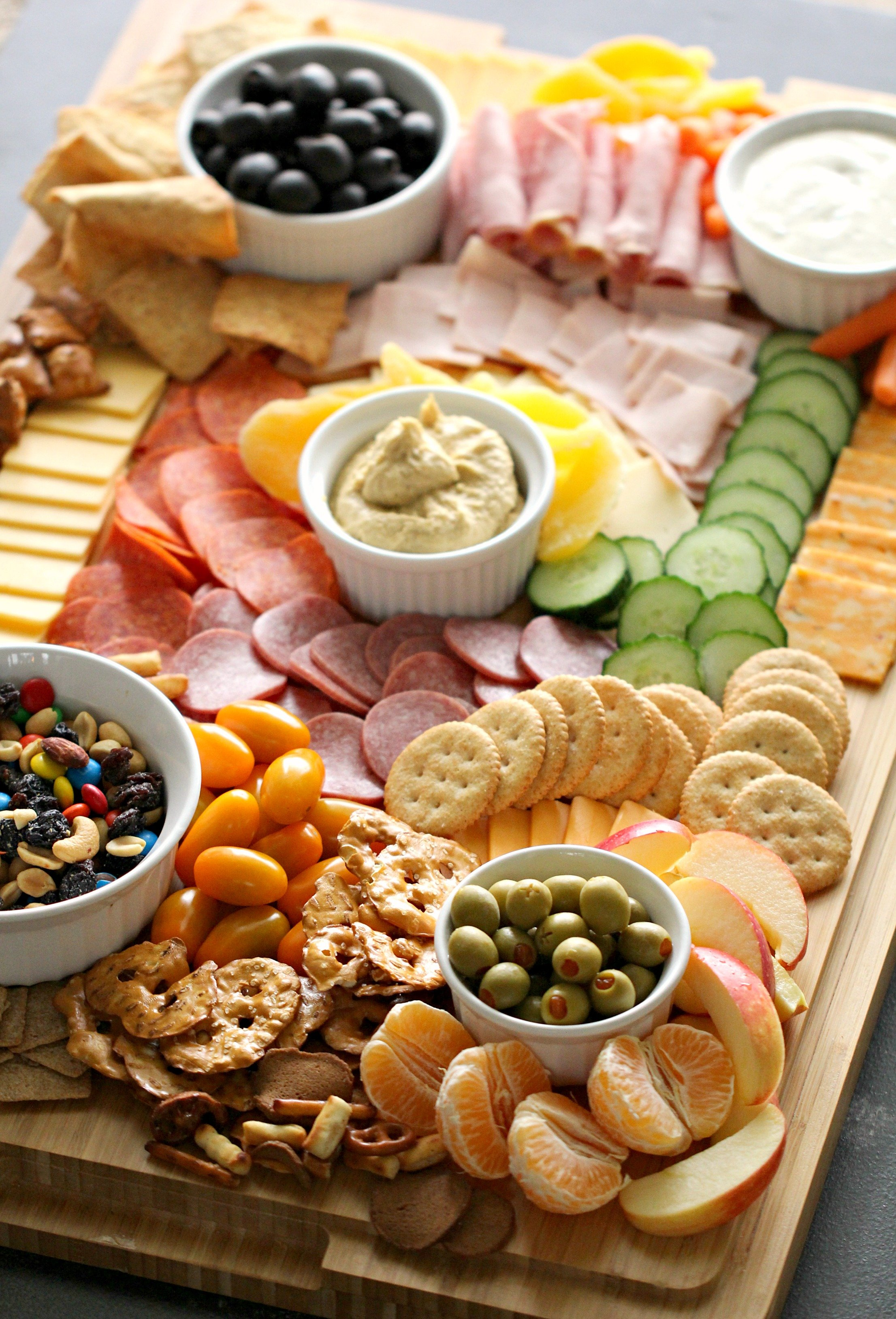 How To Make A Kid-Friendly Charcuterie Board [Step-by-Step Instructions]