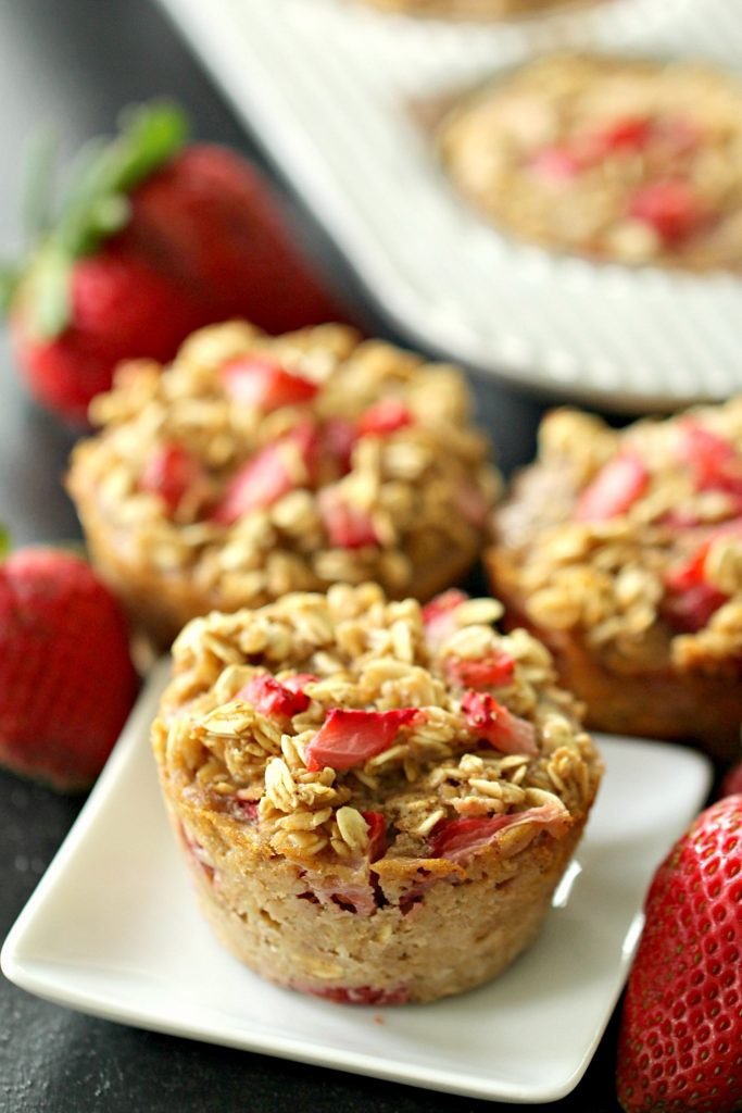 Healthy Strawberry Baked Oatmeal Cups