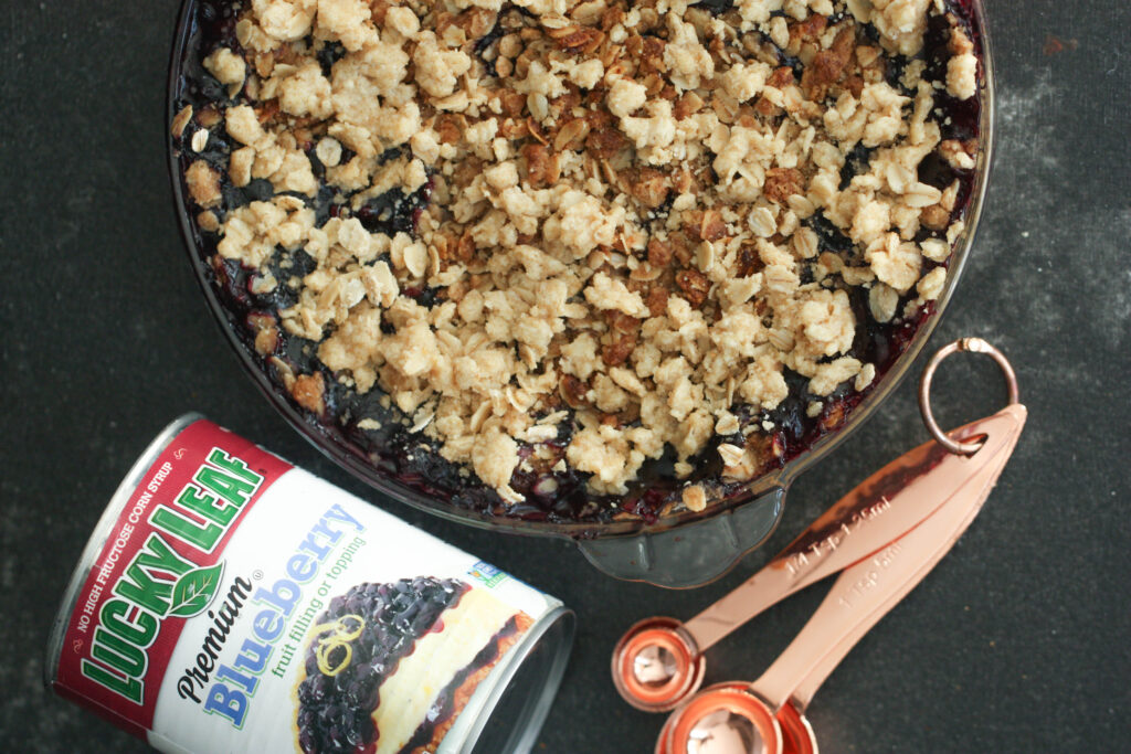 Baked Blueberry Crumble pie