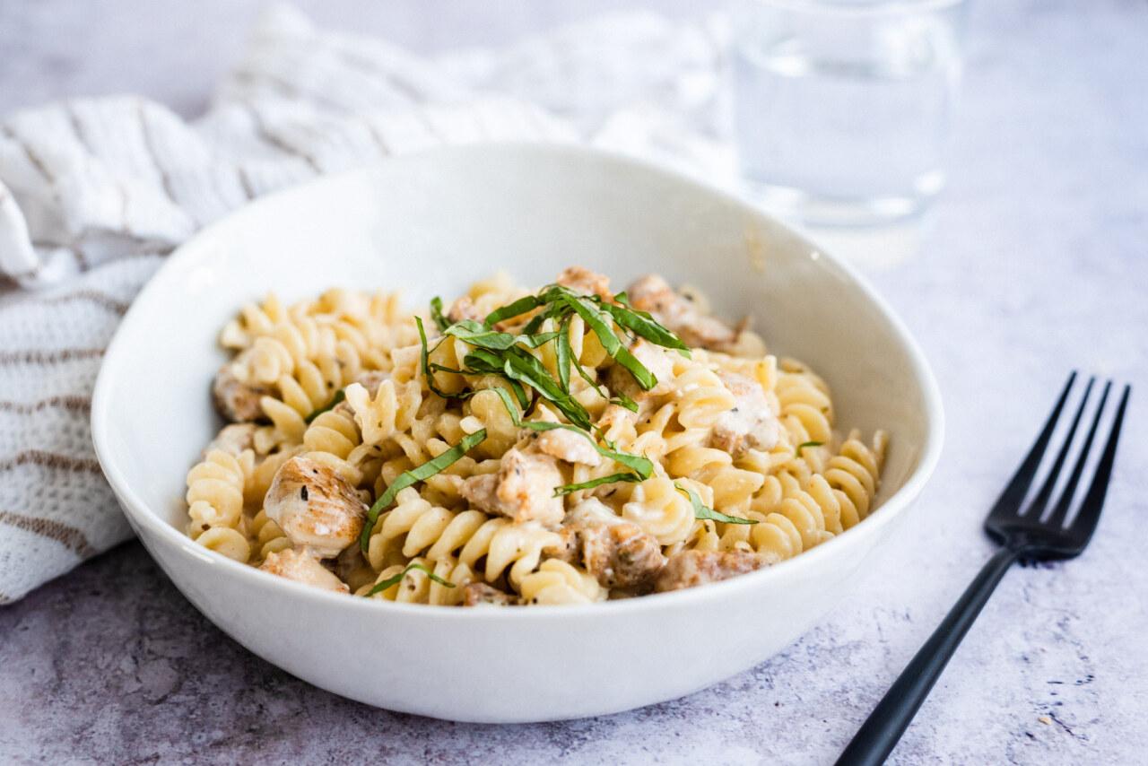 Instant pot cheesy chicken and pasta recipe