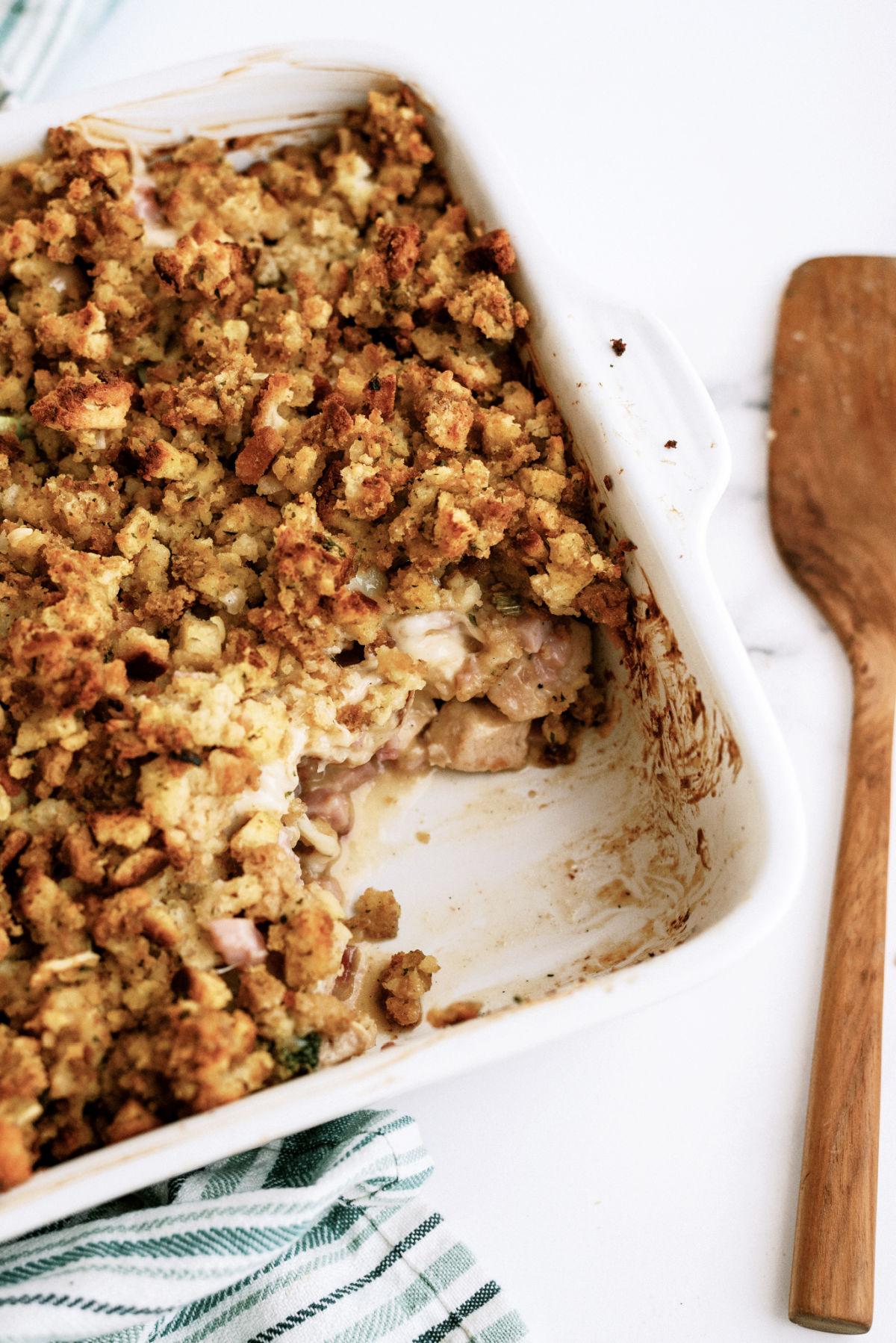 pan of chicken cordon bleu casserole