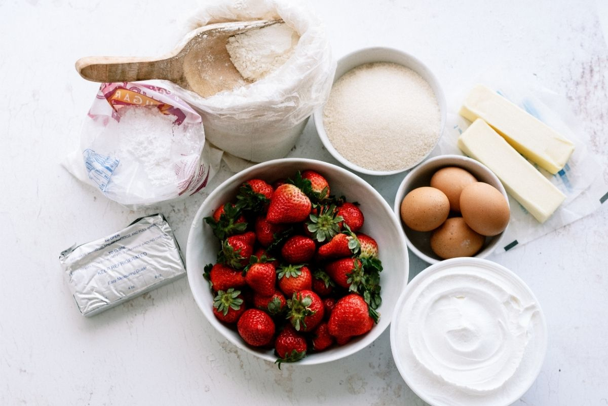 Ingredients needed for Strawberry Shortcake Bars