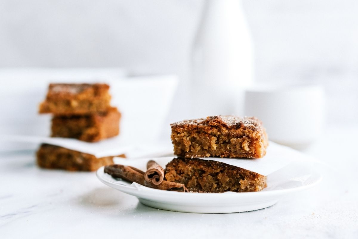 Snickerdoodle Blondies on white plate