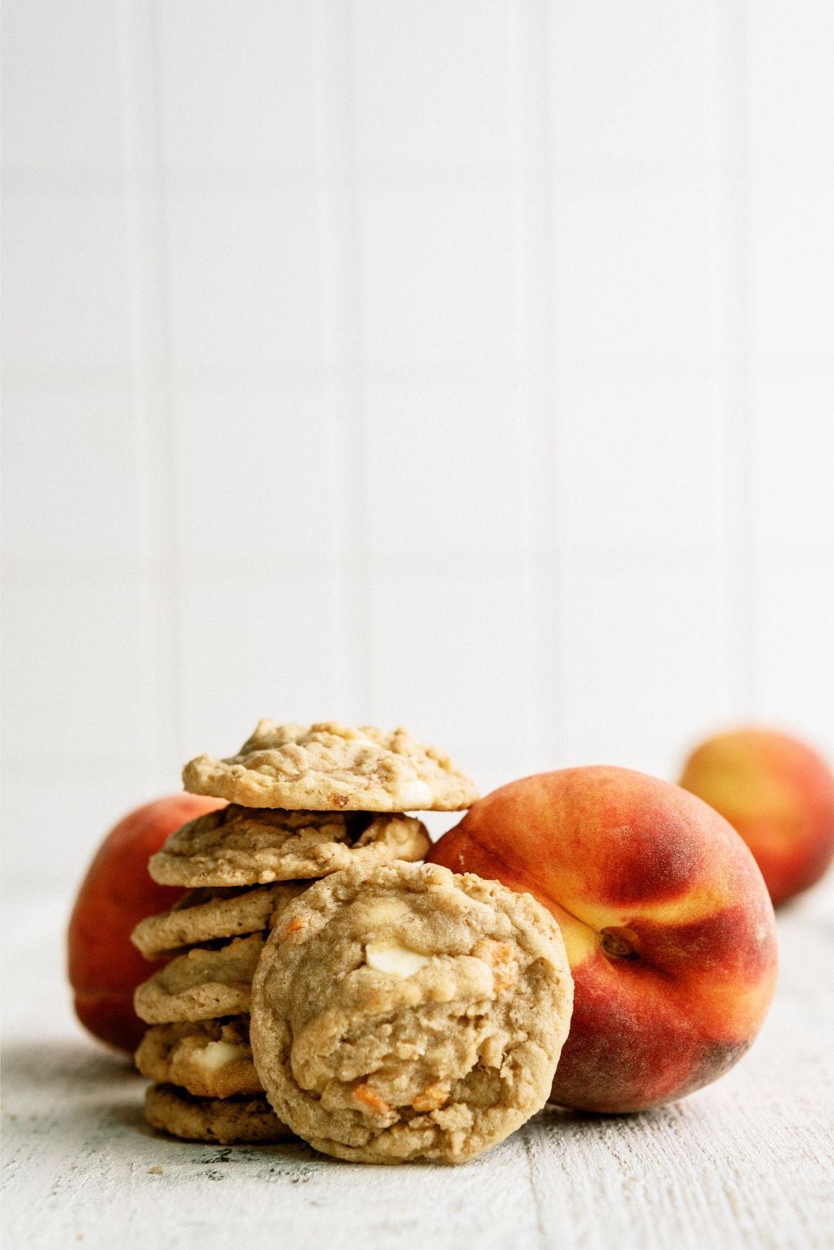 Peaches and Cream Oatmeal Cookies with fresh peaches